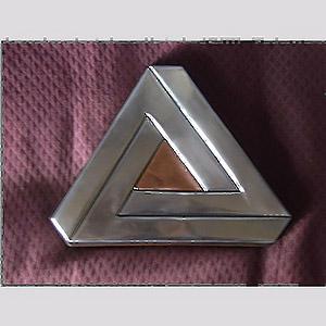 Le Triangle impossible en 3D ? Artyzinc