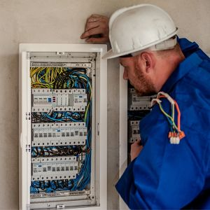 Installation d'un réseau électrique domestique Eric