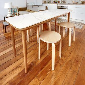 Table en chêne massif associée à un plateau en grès-cérame jean-philippe