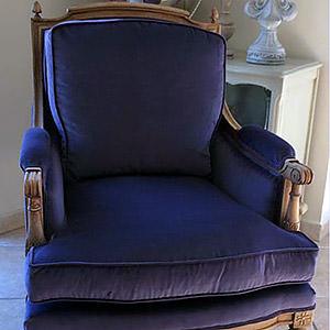 Fauteuil Louis XV en velour purple Valérie
