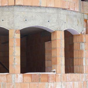 Construction d'une cour interieure Rodrigo