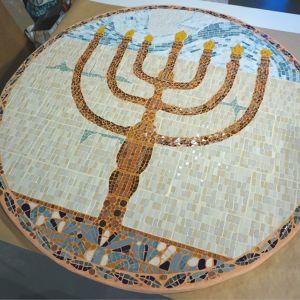 Réalisation particulière d'une mosaïque pour une Synagogue. Léonore