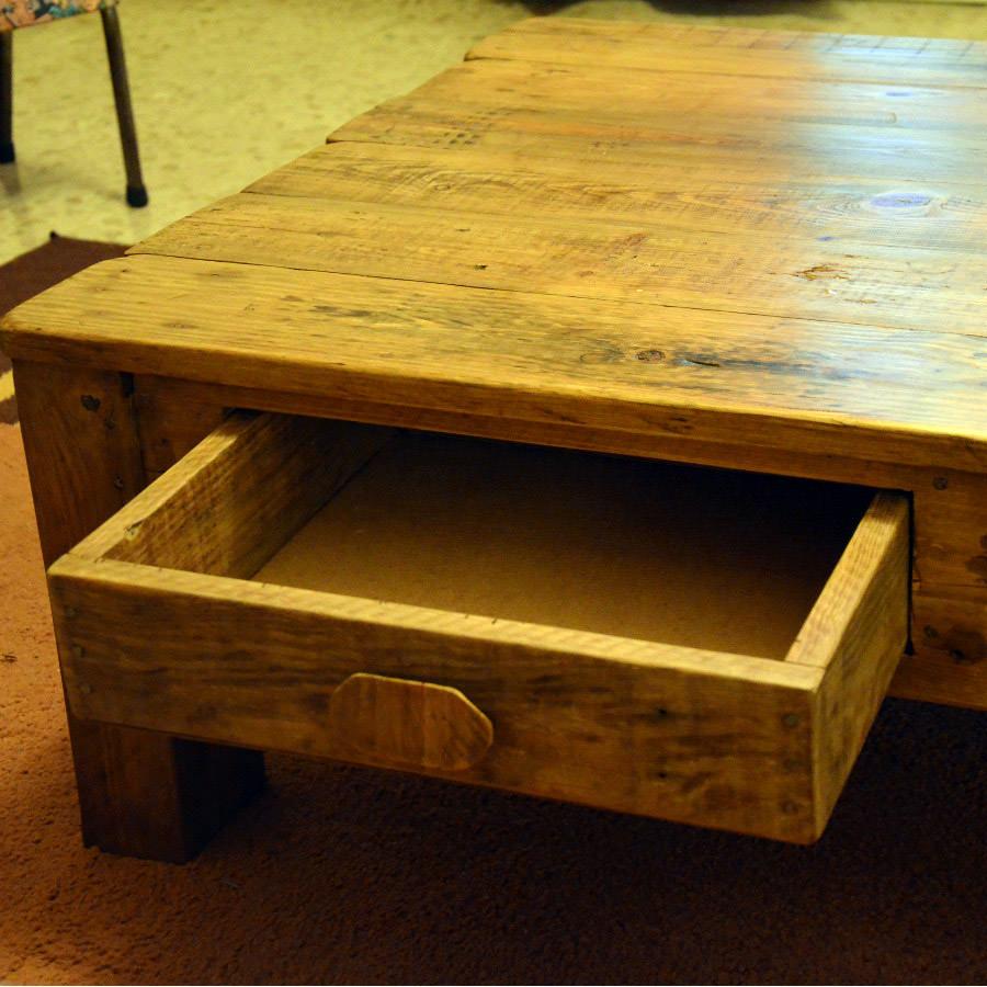 table basse rustique par thomas d. Black Bedroom Furniture Sets. Home Design Ideas