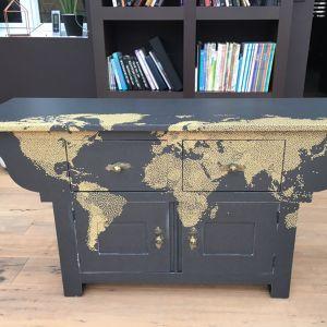 """Rénovation d'une commode façon """"map monde"""" Célia"""