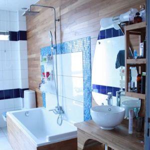 Salle de bain en Tek Guillaume