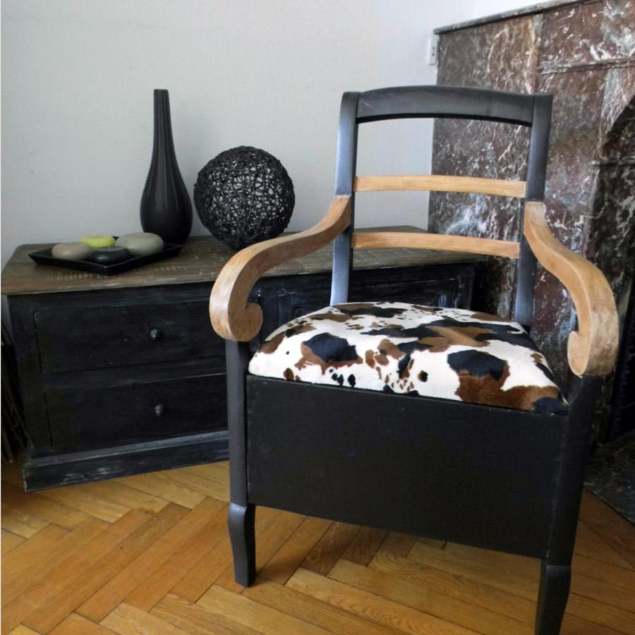 chaise perc e transform e en fauteuil de rangement par barbara p. Black Bedroom Furniture Sets. Home Design Ideas