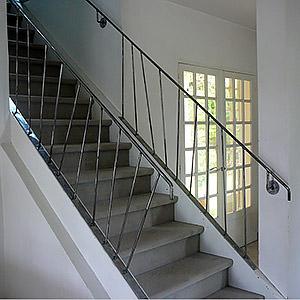 main-courante-rampe d'escalier acier Paris FRANÇOIS
