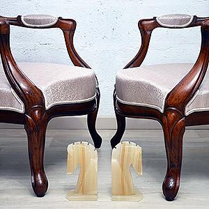 Recouverture de 2 fauteuils de style Louis Philippe Julie