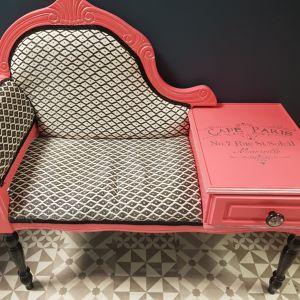 Rénovation d'un meuble de téléphone ancien Célia