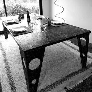 TABLE A MANGER OSB NOIR RM05 régis