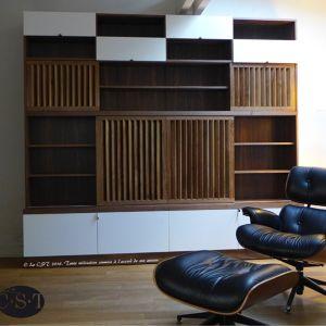 Meuble TV et bibliothèque à persiennes verticales coulissantes Christophe
