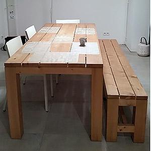 Table de repas et son banc assorti en sapin massif stéphane