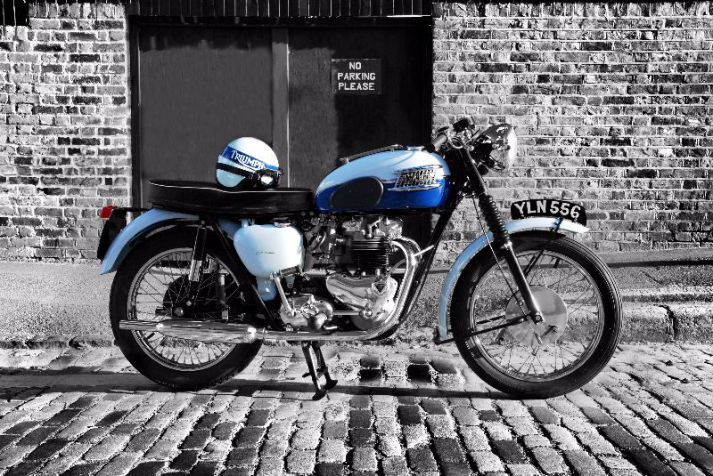 Bonneville On Cobbles