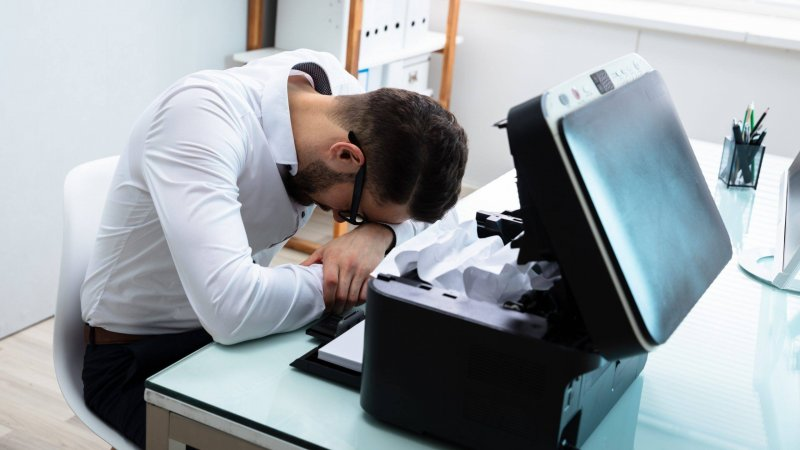 Όταν ο εκτυπωτής δεν τραβάει χαρτί. Τι μπορεί να φταίει;