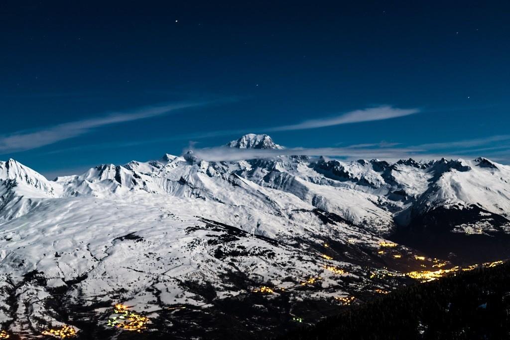 La PLagne Frankrijk uitzicht bergen met sneeuw