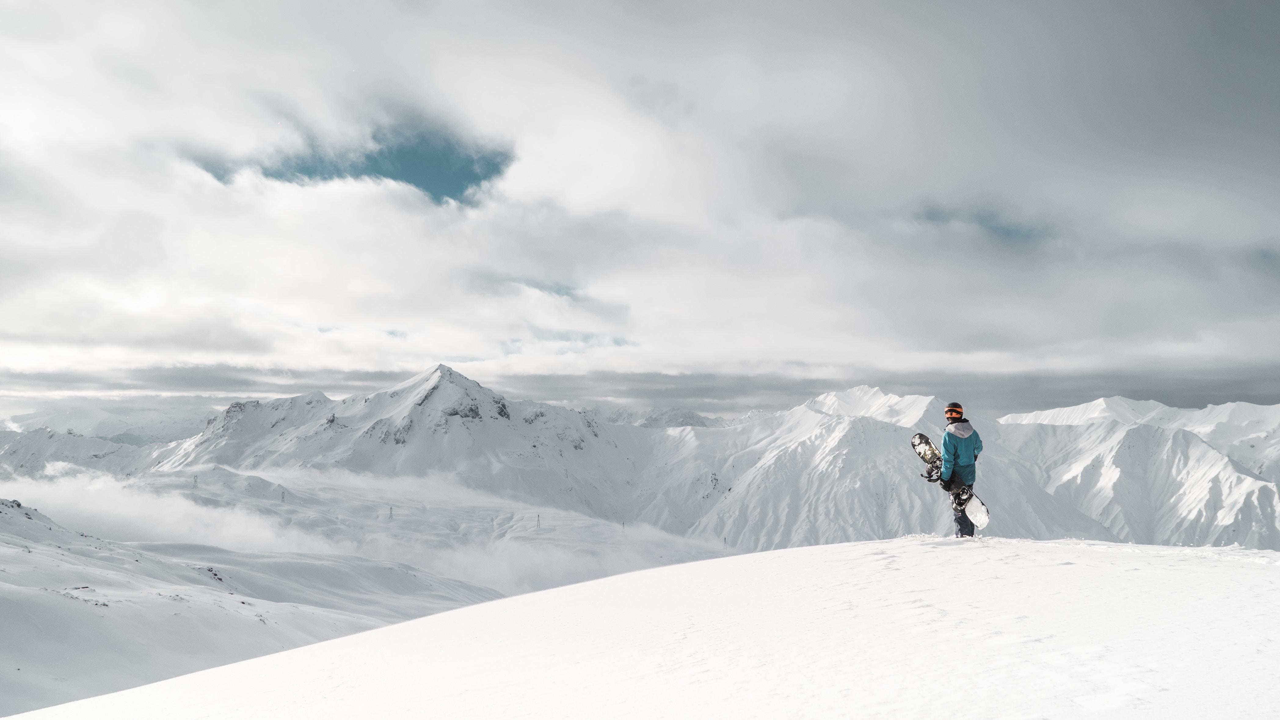 Les Menuires Frankrijk snowboard in de sneeuw