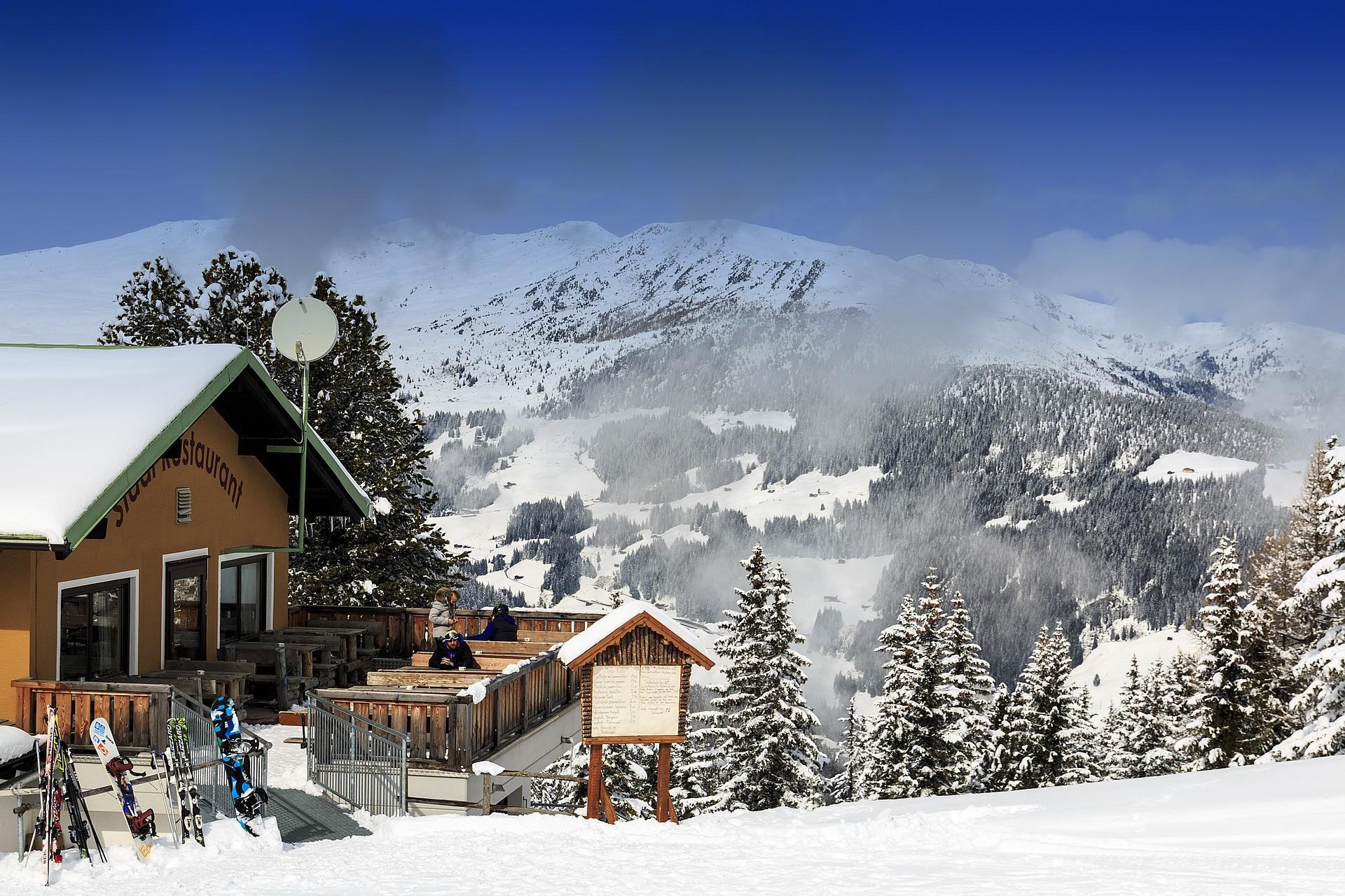 Mayrhofen Restaurant op de piste in de sneeuw