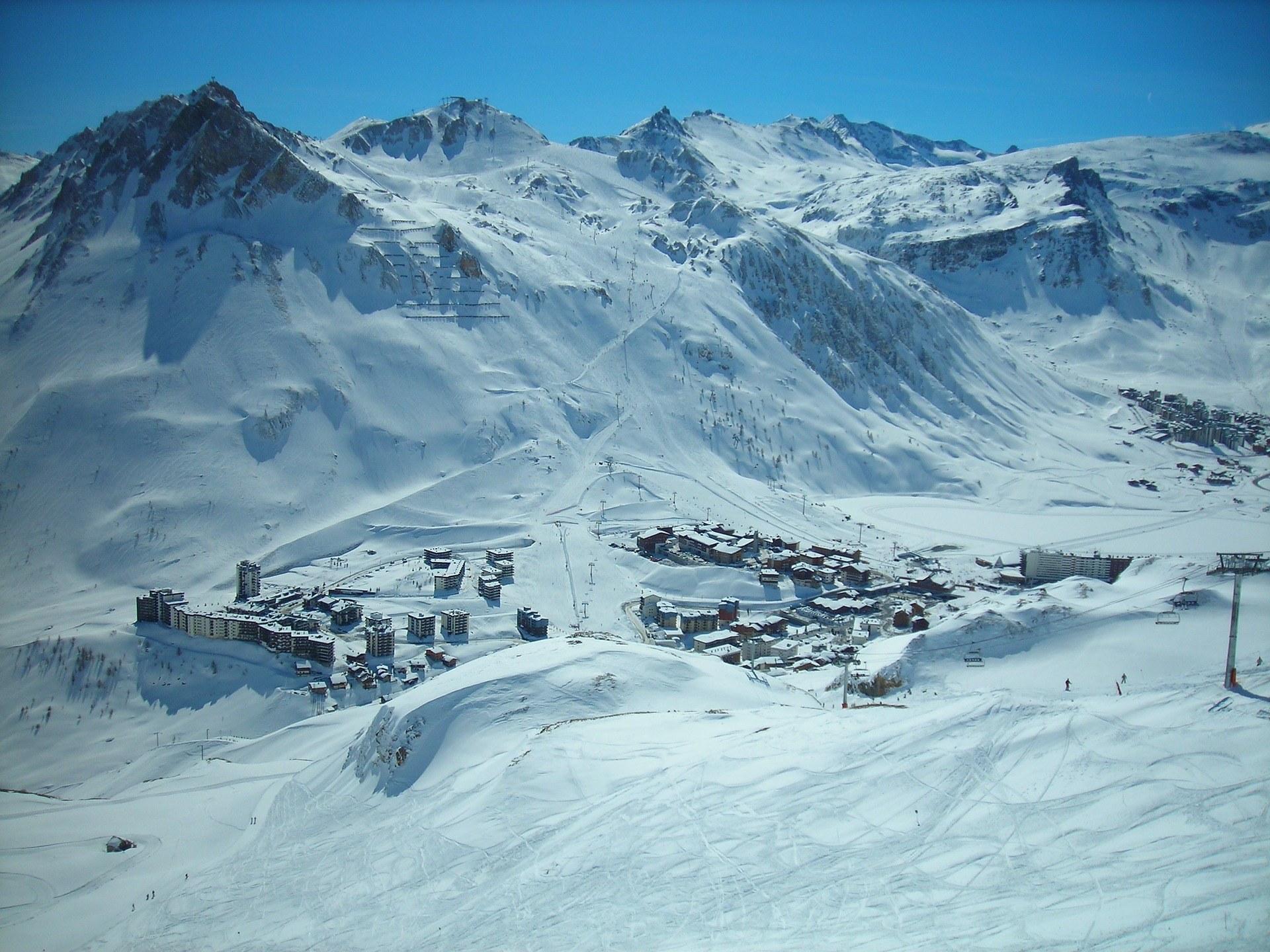 Uitzicht Avoriaz Frankrijk pistes in de sneeuw
