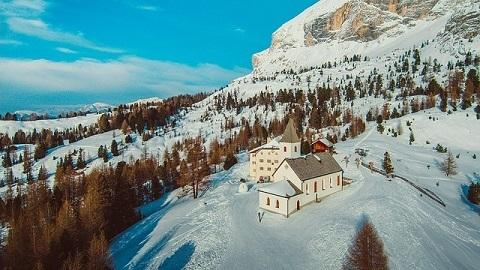 Altea Badia Italie uitzicht sneeuw bergen