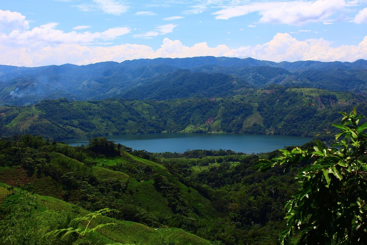 Kolumbien sieht Dschungel und mehr