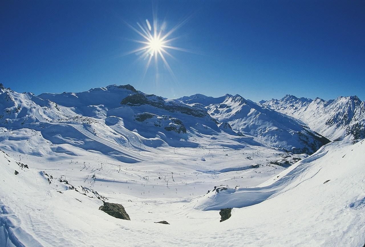 Wintersport Italie bergen met sneeuw