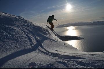 Offpiste Kirchberg Oostenrijk in de sneeuw